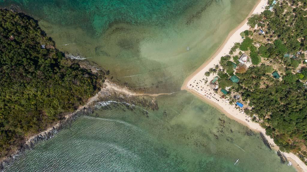 Ziplining Las Cabanas Beach nach Depeldet Island El Nido Drohne
