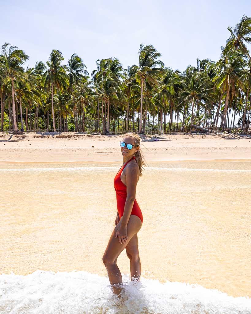 EL Nido Nacpan Beach Life to go
