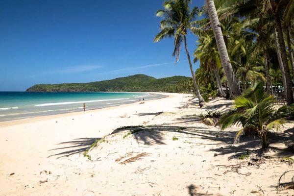 El Nido Sehenswürdigkeit Nacpan Beach