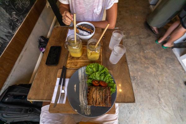 Taste El Nido Restaurant Vegan Essen